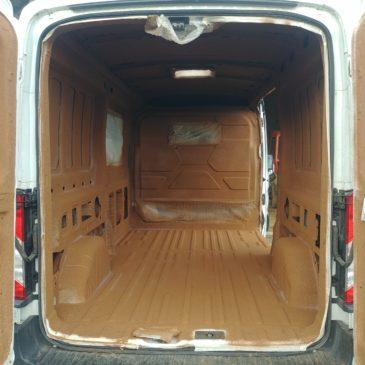 isolation en liège projeté dans un van ou fourgon aménagé